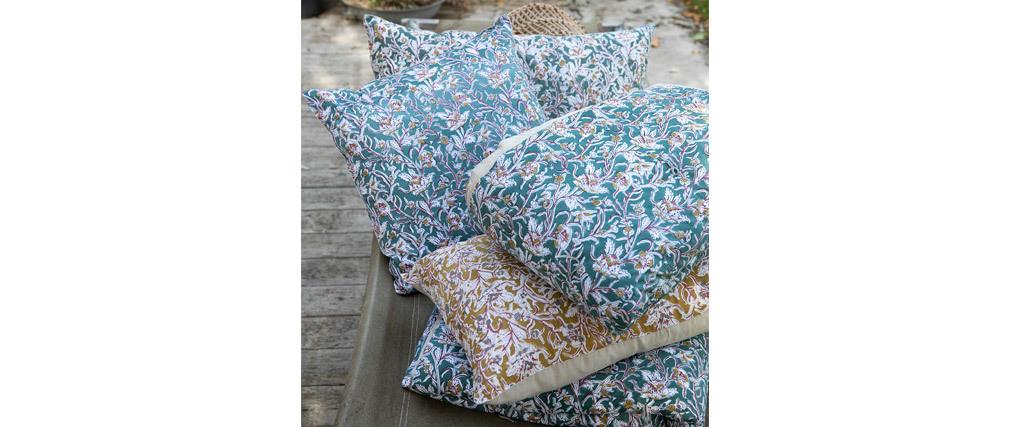 Cojín estampado de flores verde 40 x 65 cm AQUARELLE