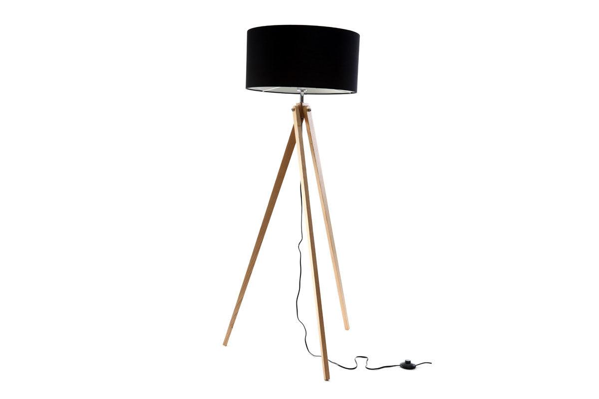Lámpara de diseño con pantalla negra y pié de madera clara HELIA