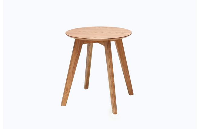 Mesita escandinava madera natural orkad miliboo for Mesillas madera natural