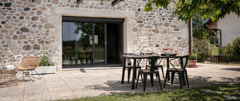Salón de jardín con mesa y 4 sillas en madera y metal negro BERLINER